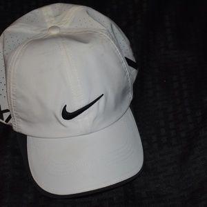 JM20 Nike VR Golf Hat